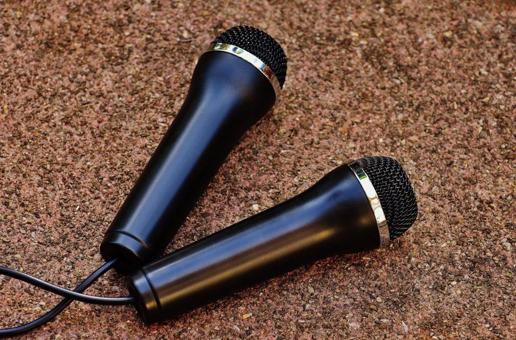 Why Everyone Should Try Karaoke